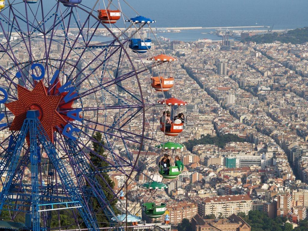 Entradas parque de atracciones de tibidabo for Parques de barcelona